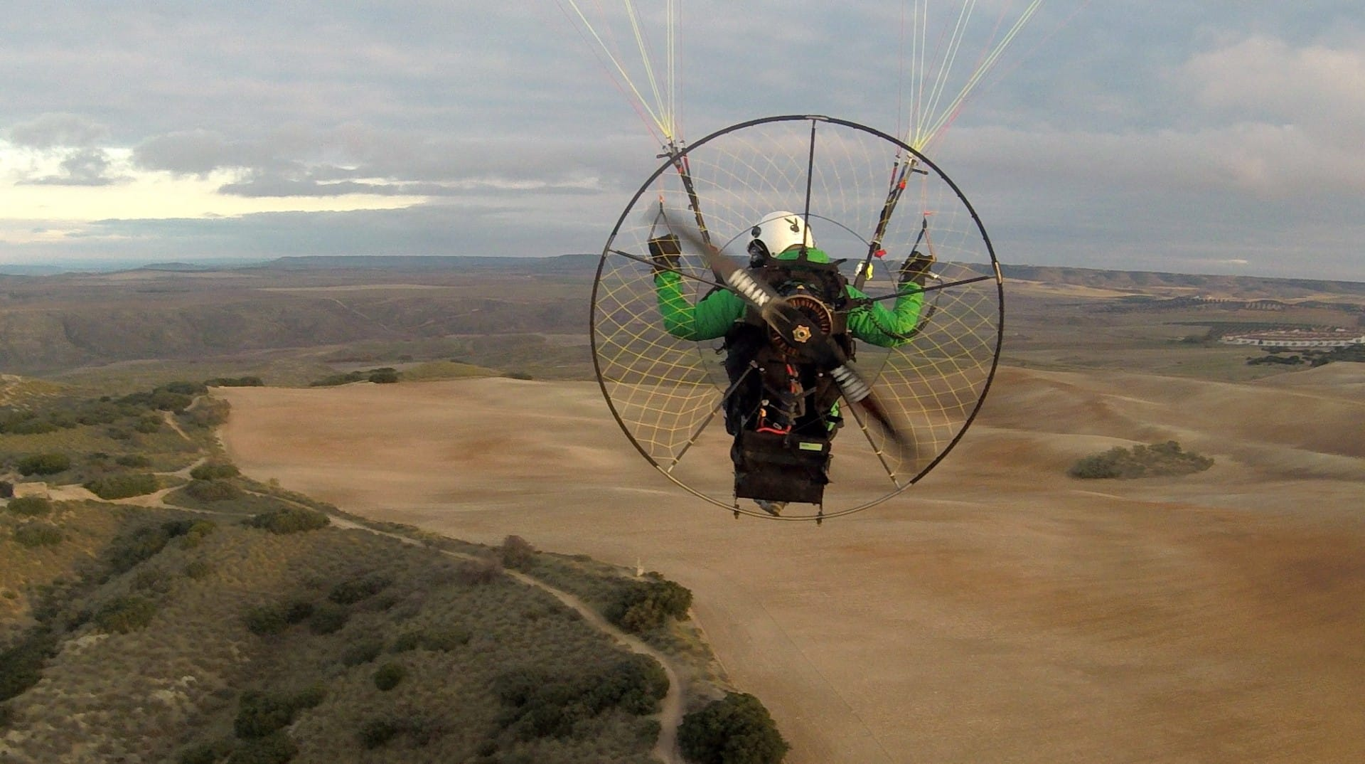 MGM supports paragliding   MGM COMPRO
