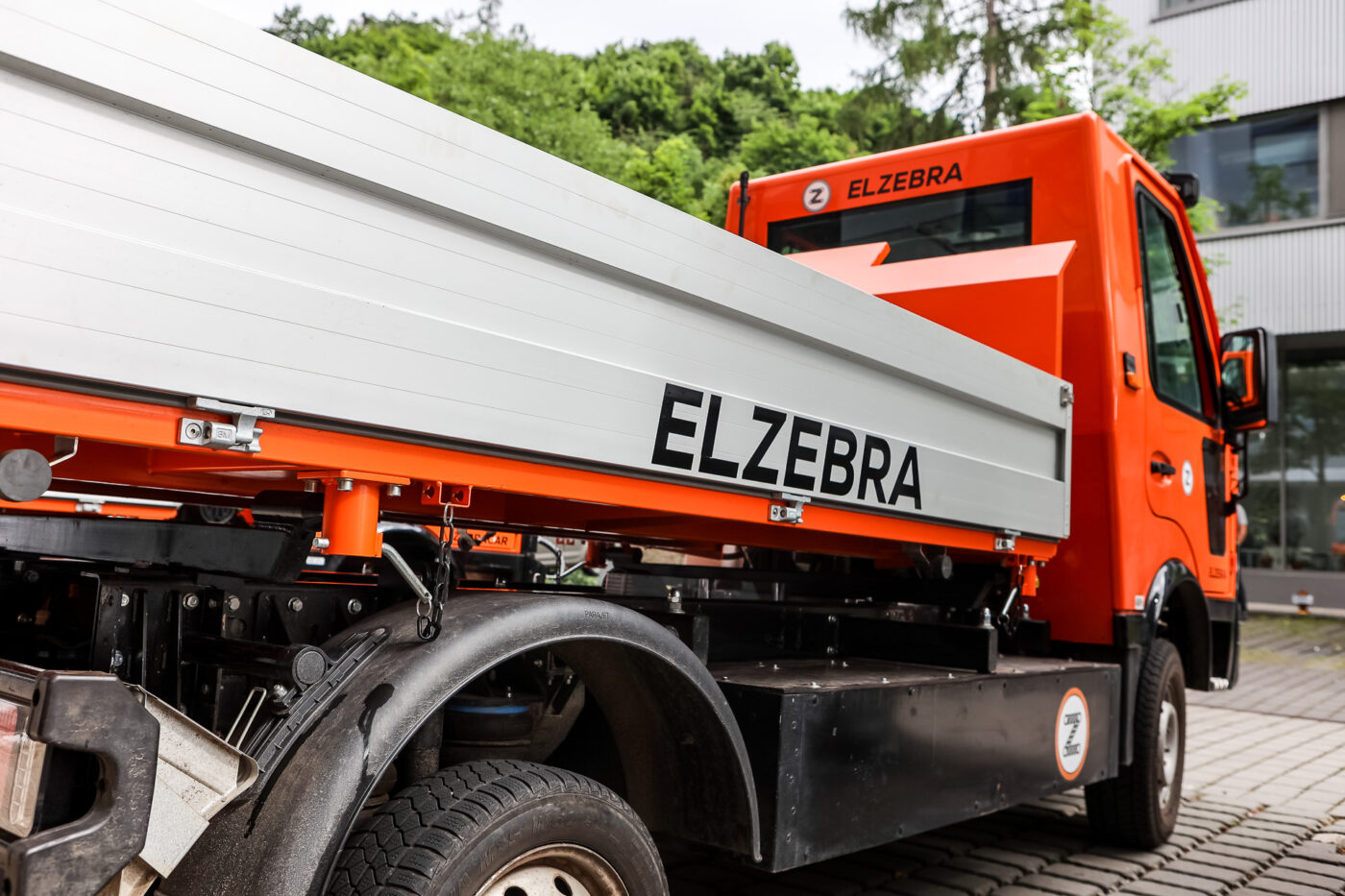 elZEBRA cooperation with MGM COMPRO