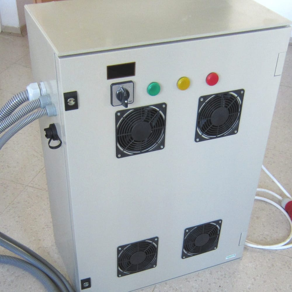 MGM-COMPRO-industrial-battery-charger-with-integrated-BMS-system-BMC4530
